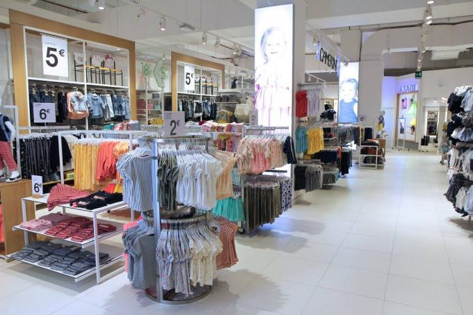 kids clothing display.jpg